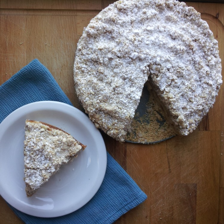Apple Cinnamon Crumble Cake