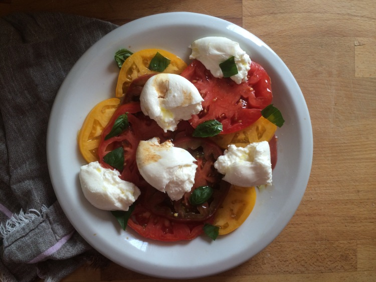 Heirloom Tomato and Burrata Caprese Salad-1