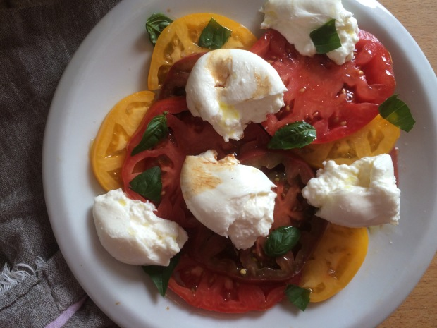 Heirloom Tomato and Burrata Caprese Salad-2