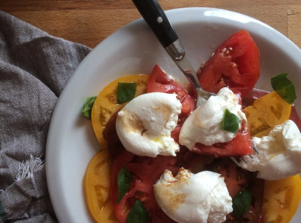 Heirloom Tomato and Burrata Caprese Salad-3