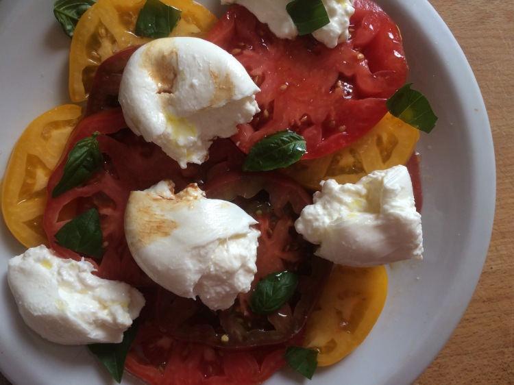 Heirloom Tomato and Burrata Caprese Salad