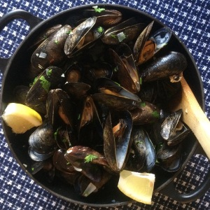 Mussels in White Wine, Garlic Broth2